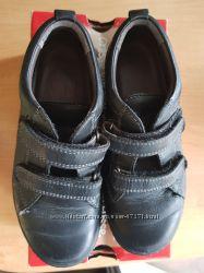Продам супер удобные туфли  superfit для школы