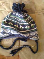 Отличная Деми шапочка на холопкой подкладке в отличном состоянии