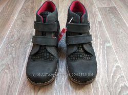 Новые ортопедические демисезонные ботинки. Турция. Стелька 24 см