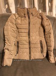 Курточка зимняя Esprit 42размер.