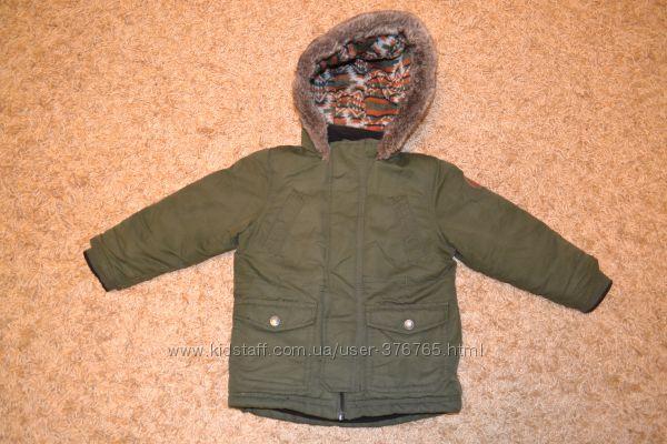 Куртка деми или еврозима Debenhams с капюшоном и карманами. Рост 98.