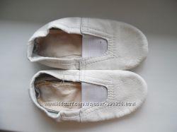 Кожаные белые чешки, р. 26-27, 16. 5 см по стельке