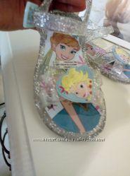 Продам босоножечки на вашу принцессу