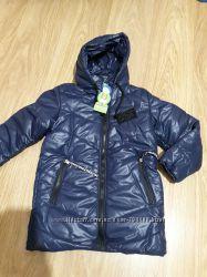 Деми-сезонная куртка. Рост  140 см.