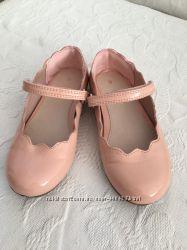Туфлі на дівчинку фірма Next розмір 9 26, 5