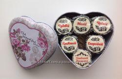 Подарочные наборы конфет на День Учителя.