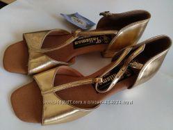 Танцевальная обувь для девочки бальные туфли