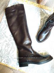 Классные Деми сапоги цвета черный шоколад -- шикарные -- р. 37-38