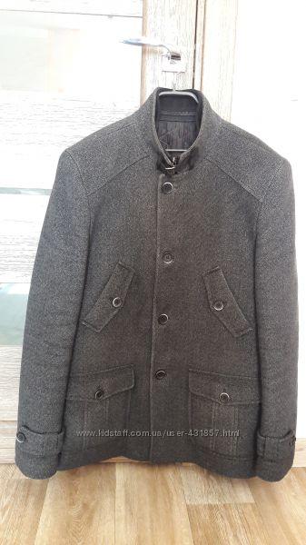 Мужское короткое пальто - полупальто
