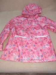 Продам новый , фирменный ТСМ, прорезиненный плащ, куртку на флисе, 8-10 лет