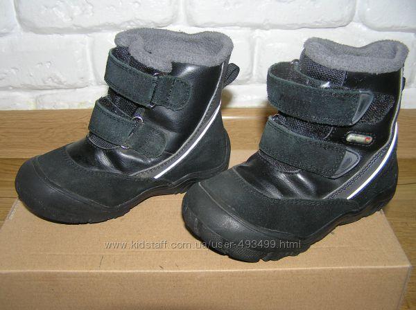 Продам демисезонные ботинки REIMA tec 24р