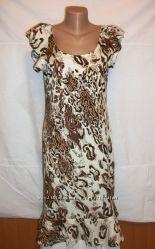 Трикотажное платье р. 46-48 в леопардовый принт, с воланами. Очень стройнит