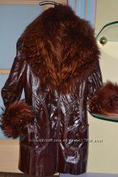 женская зимняя куртка s-m, лак-кожа, натуральный мех