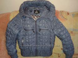 Продам очень красивую демисезонную куртку фирмы Dinolia, разм. 40-42.