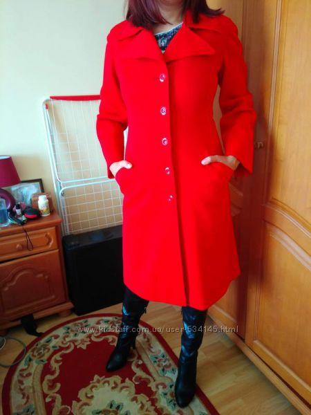 Пальто-кардиган трикотажное красное l