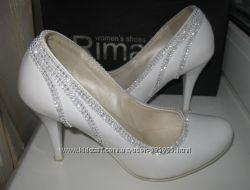 Белые нарядные, свадебные туфли 36 размер в очень хорошем состоянии