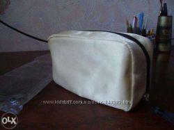 Косметичка Avon Gold Tone Cosmetic Bag with Tassle