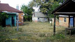 Дом в селе с газовым отоплением, плодородный чернозем  1га. Харьковская обл.