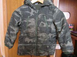 Детская  курточка на мальчишку 4-5лет.
