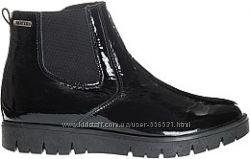 Демисезонные утепленные ботинки Bartek. Размер 34.