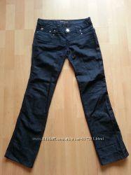продам джинсы темно синие PRADA прямой крой стрейч