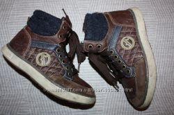 Кожаные фирмен. ботиночки р-30 для мальчика в отличном состоянии