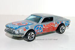 Hot Wheels 2001 Collector 089 68 Mustang Hippie Mobiles Series 1