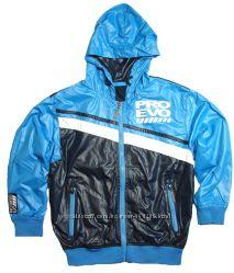 Спортивная курточка-ветровка 7-8 лет