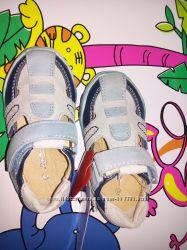 Закрытые босоножки или летние туфли на мальчика Lapsi