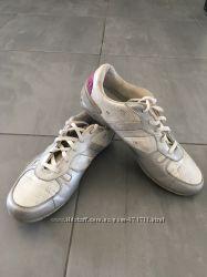 Кроссовки размер 40, кожа