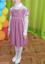 Нарядное платье для девочки на 5-7 лет.