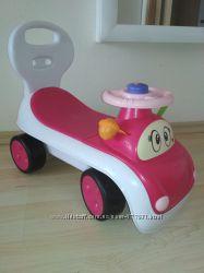 Машинка толокар Chicco для девочки