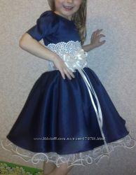 Платья нарядные на девочек 1-5 класс