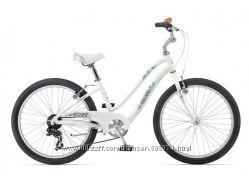 Подростковый велосипед Giant Gloss 24 белый