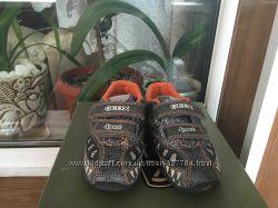 Очаровательные кроссовки Geox для мальчика 24р.