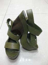 Продам стильные брендовые босоножки YVES SAINT LAUREN