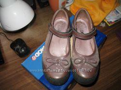Туфли для модной школьницы.