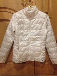 Легкая курточка на тонком синтепоне  размер М
