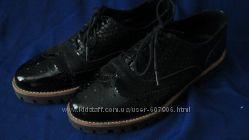 Туфли на шнуровке 39 размер