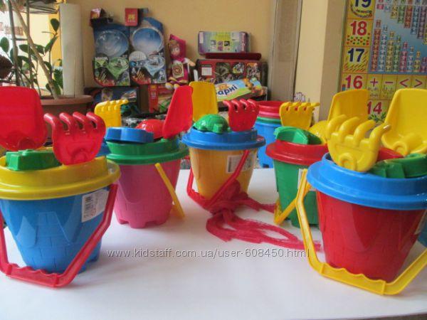 Ведра, лопатки, пасочки, фрукты, игрушки для песка