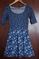 Платье BERSHKA в идеальном состоянии размер s