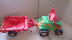 Трактор с прицепом орион