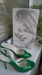Зеленые лаковые босоножки MARCO PINI