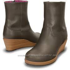 Кожаные ботинки крокс Crocs A-Leigh Leather Bootie 7. 5 -24 см