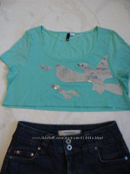 Прикольная молодежная короткая футболка с паетками