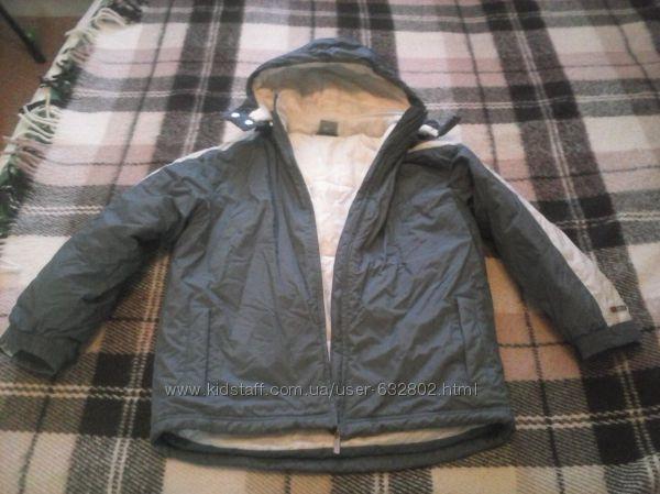Курточка бу для мальчина фирмы Nike, рост 140-152 см