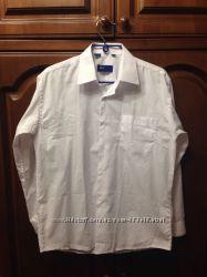 рубашки для мальчика 33-34, 35-36 школьные новая