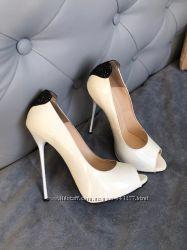Итальянские туфли с открытым носочком