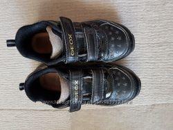 Geox ботинки 29 р. с мигающими огоньками