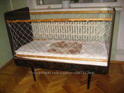 Продам элегантную импортную детскую кроватку